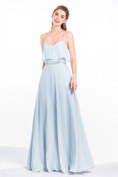62e39762ccf Robe soirée longue pour témoin mariage bleu sérénité top à volants avec  fines bretelles style lingerie