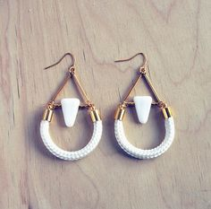 Geometric triangle and rope dangle earrings par AlmostDone sur Etsy, $16.00