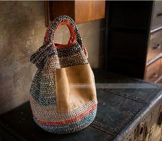 Crochet Handbags, Crochet Purses, Love Crochet, Knit Crochet, Sac Week End, Knit Basket, Linen Bag, Knitted Bags, Knit Bag