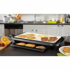 Ceramic Electric Nonstick Griddle with Warming Tray Breakfast Station, Griddle Recipes, How To Cook Burgers, Keep Food Warm, Ceramic Coating, Griddles, Griddle Pan, Cool Things To Buy, Kitchen Decor
