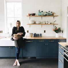 "Prop corn"" and Paige and the most beautiful kitchen. Tiffany Blue Kitchen, Blue Kitchen Decor, Modern Kitchen Cabinets, Kitchen Interior, Modern Victorian Homes, Light Blue Kitchens, Minimalist Home Interior, Cuisines Design, Küchen Design"