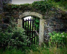 secret gardens | Doors: Secret garden - Steve's Digicams Forums
