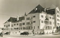 """The """"new"""" French Chateau Apartments, 1937 vintage Los Angeles photo - 900 S. Hobart Street"""