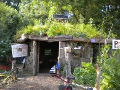 permaculture house - it is amazing to eat food that you've picked straight from the ground - I find it creates the most amazing feeling of kinship with the earth and our planet.