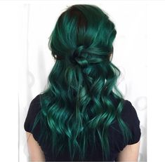 haare Lovely Deep Green - Smaragd - - How To Take Care Green Hair Colors, Hair Dye Colors, Cool Hair Color, Blue Green Hair, Purple And Green Hair, Pastel Purple, Gray Hair, Black Hair, Emerald Hair