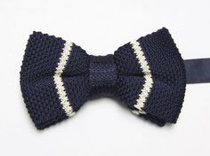 Brand-New-White-Stripes-Blue-Knitted-Bowtie-Adjustable.jpg (500×374)
