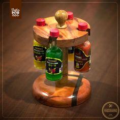 Porta pimenta giratório em madeira torneada! Bonito e útil :) Ótima peca de decoração para área de churrasco!