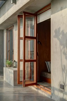 Home Room Design, Home Interior Design, Interior Decorating, Window Design, Door Design, Entrance Design, Casa Hotel, Kerala Houses, House Rooms
