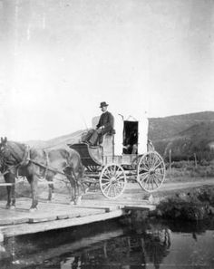View of a horse drawn stagecoach between Rifle (Garfield County) and Meeker (Rio Blanco County), Colorado. [between 1890 and Westerns, Wagon Trails, Old Wagons, American Frontier, Native American History, American Indians, Thing 1, Horse Drawn, History Photos