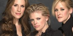 This article about the Dixie Chicks' Saskatoon concert made me weepy remembering the Vancouver show!