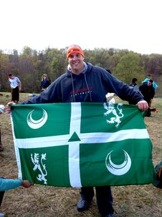 On April 20, 2013 in West Virginia Dave Yampolsky '00 finished a Tough Mudder competition in Del-style.