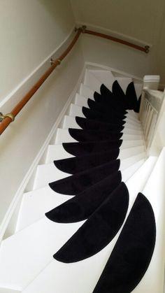 Ook de #trappen zijn weer veilig voor de kids door de chique #trapmatten (halve…