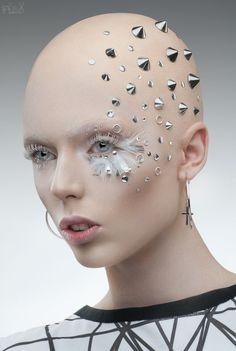 Spikes - Stanislav Istratov Art Photo For Lashmaker. Maquillaje Halloween, Halloween Makeup, Futuristic Makeup, Futuristic Robot, Bald Cap, Arte Fashion, Fantasy Make Up, Bald Girl, Bald Women