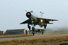Décollage de deux MiG-21 indiens
