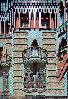Casa Vicens Barcelona, Spain  Antoni Gaudi by Pete Sieger, via Flickr.com