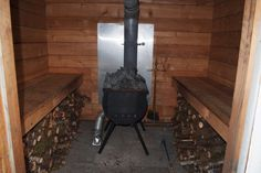 Doug and Erin's wood-fired hot tub revised, now with sauna! Diy Sauna, Sauna House, Sauna Room, Building A Sauna, Outdoor Sauna, Sauna Design, Finnish Sauna, Wood Store, Woodworking Projects Plans