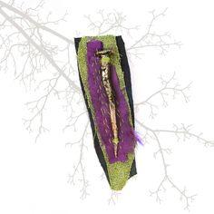 Broche: clavo antiguo dorado al mixtión, telas recicladas, cuero... Fiber, Fabric Ribbon, Nail, Ribbons, Fabrics, Low Fiber Foods