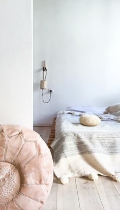 Image of Moroccan POM POM Wool Blanket - Striped MUIMA