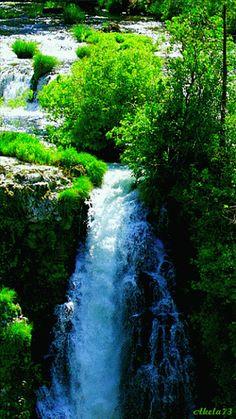 River leading to a waterfall Beautiful Gif, Beautiful World, Beautiful Places, Beautiful Pictures, Beautiful Scenery, Nature Gif, Nature Photos, Foto Gif, Gif Photo