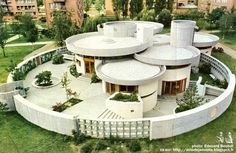 National Library in Prishtina Concept Models Architecture, Architecture Design, Organic Architecture, Futuristic Architecture, Round House Plans, Dream House Plans, Alvar Aalto, Circular Buildings, Circle House