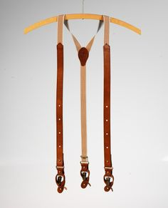 Image of BILLY- LEATHER SUSPENDER DOTS COGNAC