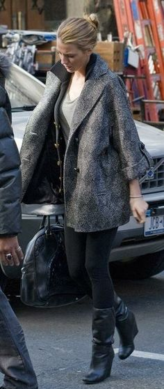 Who made Blake Lively's coat, black boots, and purse that she wore on January 5, 2010? Purse – Miu Miu  Shoes – Balenciaga  Jacket – Diane Von Furstenberg