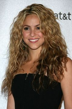 Shakira hair: Hot locks