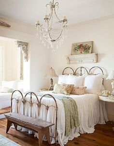 Gorgeous 55 Stunning Shabby Chic Bedroom Decorating Ideas https://homeastern.com/2017/06/21/55-stunning-shabby-chic-bedroom-decorating-ideas/ #shabbychicbedroomsmaster #shabbychicbedroomsdecoratingideas