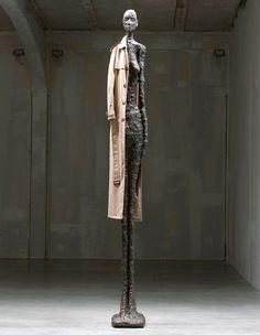 The Giacometti Variations by John Baldessari at Fondazione Prada, Milan 2010 - Alberto Giacometti - Sculptures - Surrealism Movement John Baldessari, Alberto Giacometti, Sculpture Metal, Modern Sculpture, Inspiration Artistique, Land Art, Chur, American Artists, Portraits