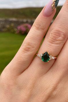 Green Engagement Rings, Emerald Wedding Rings, Beautiful Engagement Rings, Vintage Engagement Rings, Vintage Rings, Green Sapphire Engagement Ring, Green Emerald Ring, Teardrop Engagement Rings, Celtic Engagement Rings