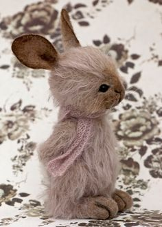Bunny, found on Three O'Clock Bears: February 2013 Needle Felted Animals, Felt Animals, Needle Felting, Stuffed Animals, Cute Teddy Bears, Bear Doll, Soft Sculpture, Felt Art, Softies