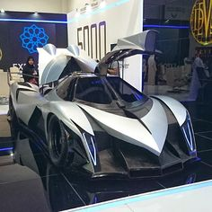 Devel Sixteen. 5000hp - fastest car in the world