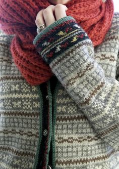 Livs Lyst: Søkeresultat for Kofte Knit Stranded, Fair Isle Knitting, Mode Inspiration, Sweater Weather, Warm And Cozy, Arm Warmers, Mittens, Knitwear, Knitting Patterns