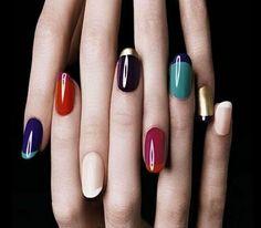 Vernis à ongles : danger ? Attention à toutes les femmes utilisant des vernis bons marchés certains peuvent contenir des produits nocifs pour votre santé.