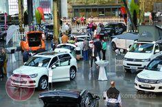 Die über 200 SUV-Fahrzeuge im stylishen Ambiente der Alten Schmiedehalle passten perfekt zueinander. So elegant wurden Fahrzeuge in Düsseldorf