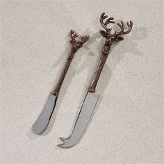 Details:A rustic touch to your entertaining setup. Complete the stag set with the bottle opener, cheese knife, serving set, wine bottle stopper, and napkin rin