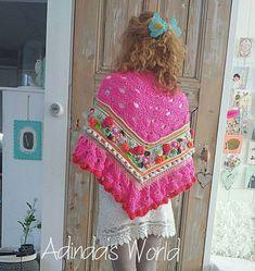 Lekker luchtig voor de zomer..... #crochetday #crochetshawl #handmade #adindasworld #instacrochet #happysunday #uncinetto #fijnezondag