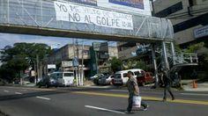 pancartas en las calles. Lunes antes.