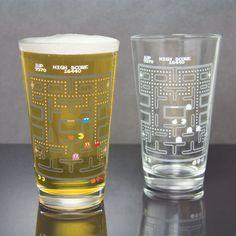 Copo Criativo de Vidro Muda de Cor Pac Man, um item indispensável para sua casa e para você que é fã desse antigo game!