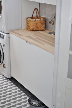 Puistolassa. Laundry Storage, Laundry Room, Interiores Design, My House, New Homes, Bathroom, Inspiration, Furniture, Home Decor