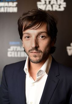 Diego Luna – an ordinary man on an extraordinary journey as Captain Cassian Andor! #RogueOneEvent
