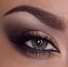 Pretty Smokey Eye Makeup