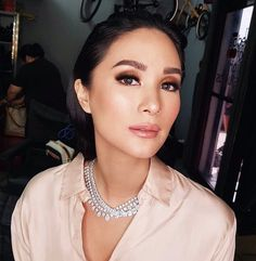 2.5m Followers, 3,256 Following, 9,116 Posts - See Instagram photos and videos from Heart Evangelista (@iamhearte) Elegant Makeup, Pretty Makeup, Makeup Looks, Amazing Makeup, Heart Evangelista Style, Beauty Make Up, Hair Beauty, Eye Makeup, Hair Makeup
