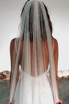 €300  ·  We've really stepped up our veil game with our new favourite Pearly veil. This striking long veil will fall effortlessly over your train. Shop online now!
