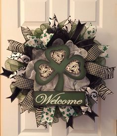 Last one left! Stunning St.Patricks day wreath, welcome wreath, Four leaf clover, lucky,  by Adressydoor on Etsy https://www.etsy.com/listing/220983806/last-one-left-stunning-stpatricks-day