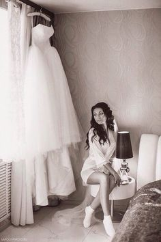Bride s morning The dress is ready Happy wedding day to our beautiful bride  Весільні Сукні 976e8d95deb22