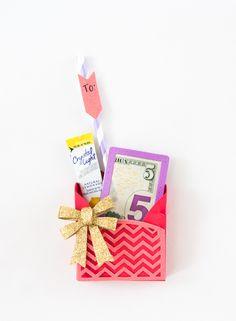 Sizzix Inspiration | Valentine Sweet Treat Bag by Melissa Fallon