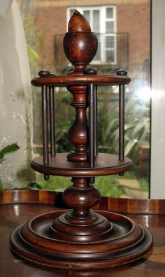 Antique : A superior Victorian Treen Multi Reel Holder - Sewing Accessories
