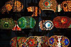 Orientalische Lampen - Welche ist Ihre erste Assoziation, wenn Sie vom orientalischen Einrichtungsstil hören? Denken Sie nicht etwa gleich an 1001 Nacht?