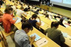 Examen Médecine sur I-Pad à l'Université Lyon 1 / Médecine Lyon Est  Copyright: Eric Le Roux / Université Claude Bernard Lyon 1